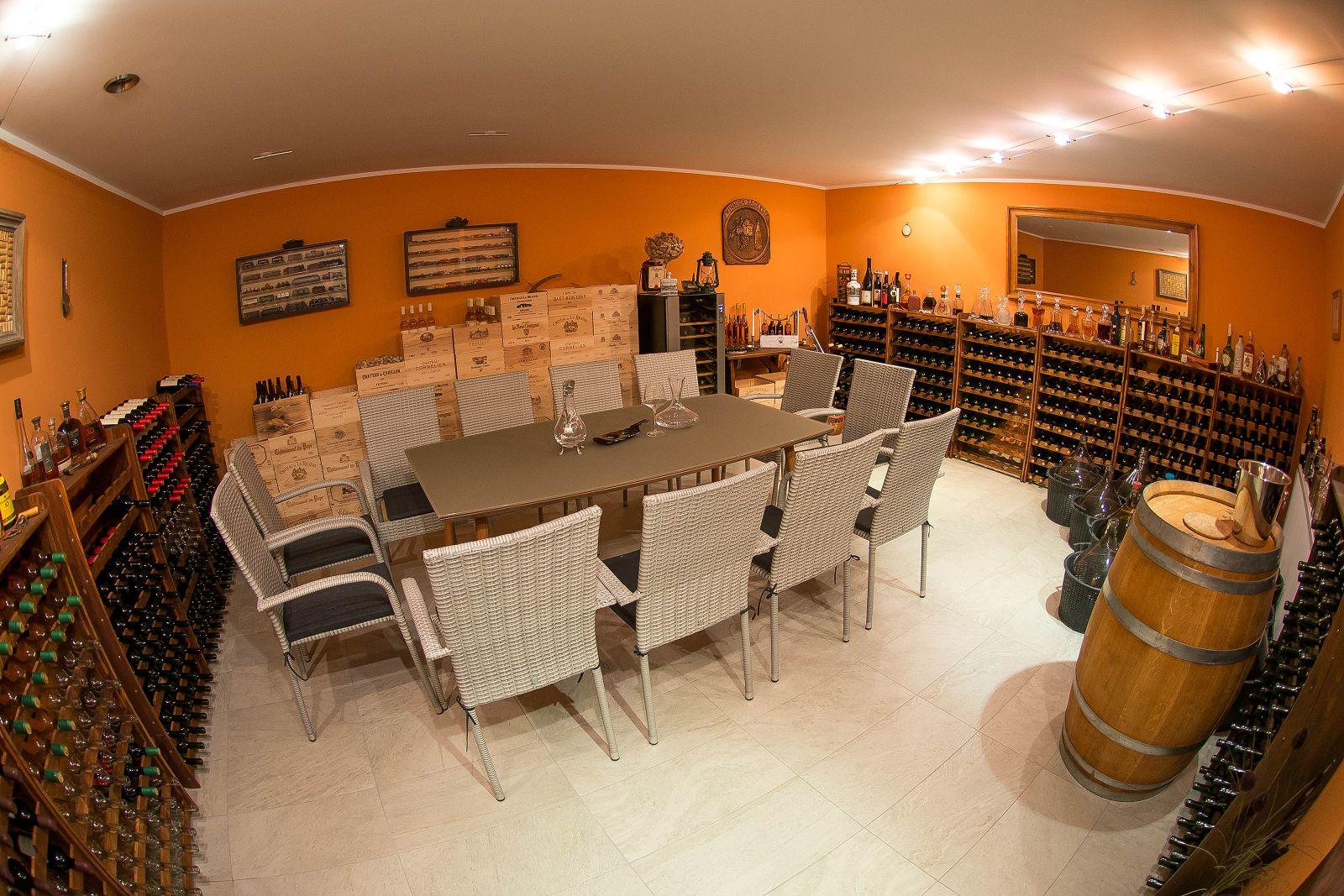 enoturystyka, turystyka, wino, turystykawiniarska, zwiedzanie, winnica